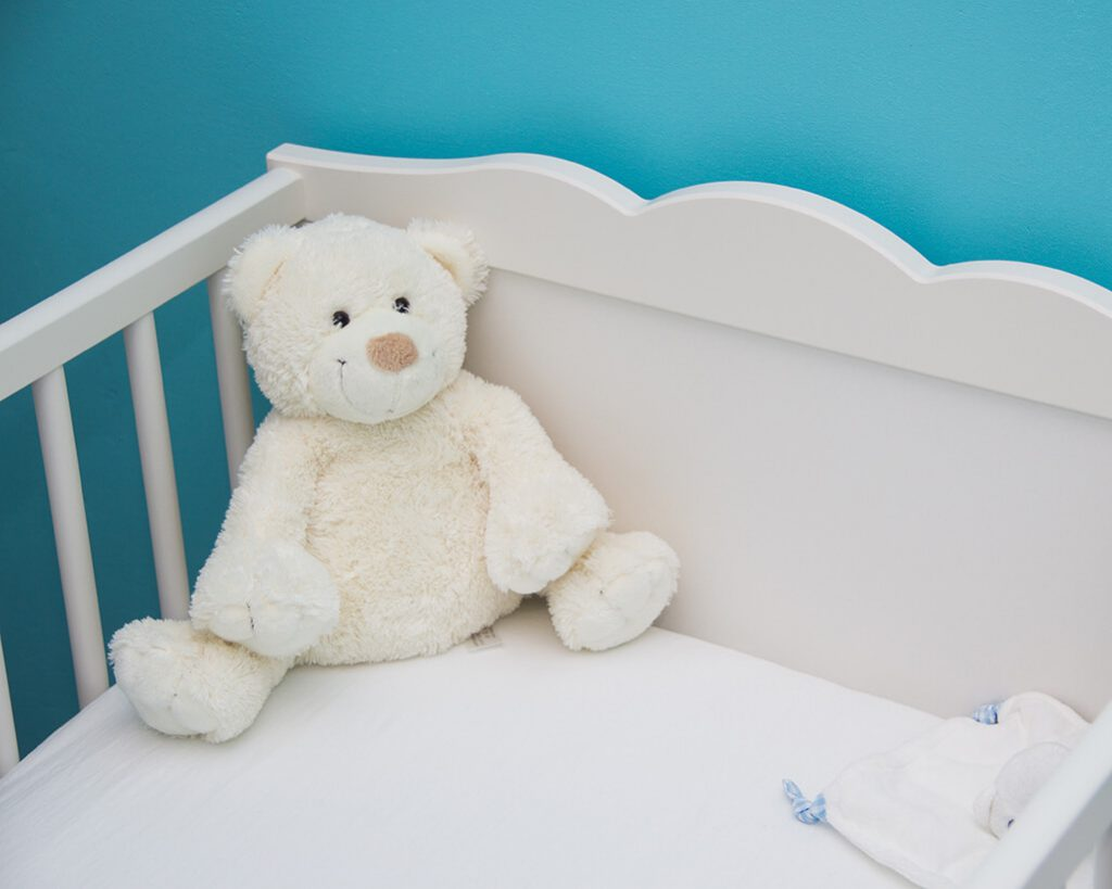 Łóżeczko do pokoju dziecięcego